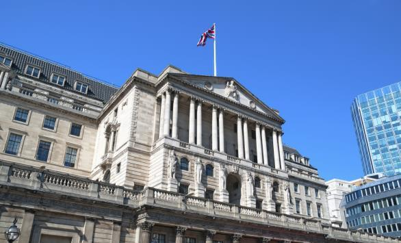 Bank of England moves closer to rate hike despite retail sales fall